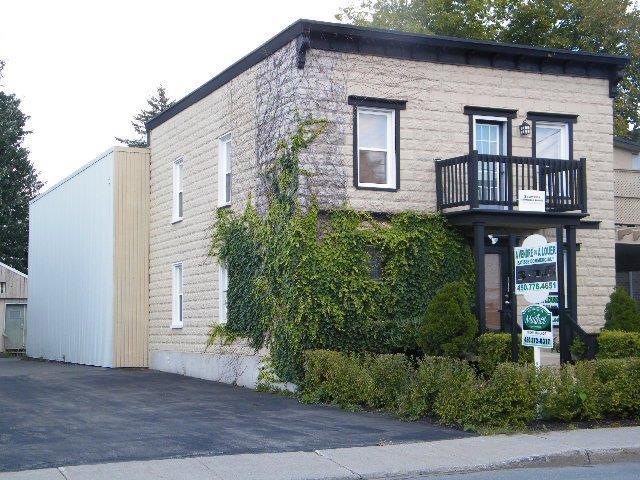 Propriété à vendre - Granby - 329 500 $ - Bâtisse commerciale/Bureau