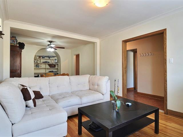Triplex,  9378 82 Rue Berri,   Ahuntsic-Cartierville (Montréal),  H2M 1R2