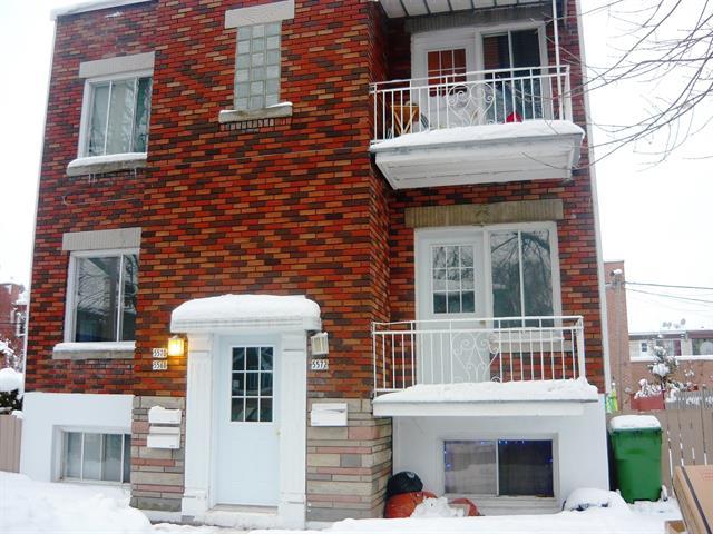 Triplex,  5568 5572 Rue Pierre-Tétreault,   Mercier/Hochelaga-Maisonneuve (Montréal),  H1K 2Z2