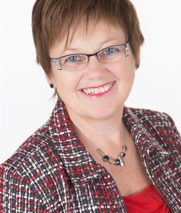 Nicole Martineau