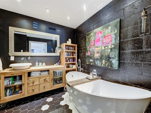 Salle de bains attenante à la CCP